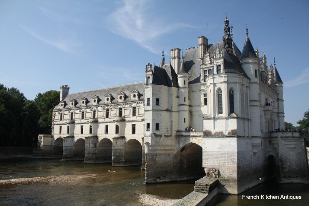 The fairytale-like Château de Chenonceau as it reaches across the river.